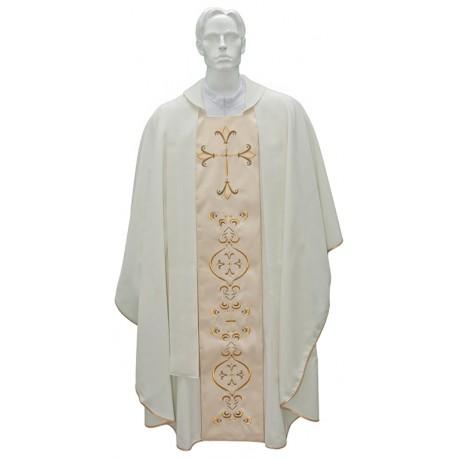 Knapperig voor priester met geborduurde stola
